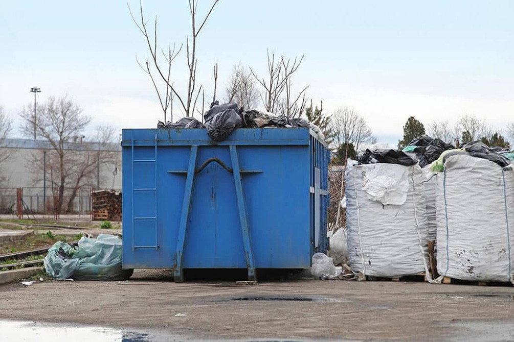Contact Us-Springfield Dumpster Rental & Junk Removal Services-We Offer Residential and Commercial Dumpster Removal Services, Portable Toilet Services, Dumpster Rentals, Bulk Trash, Demolition Removal, Junk Hauling, Rubbish Removal, Waste Containers, Debris Removal, 20 & 30 Yard Container Rentals, and much more!