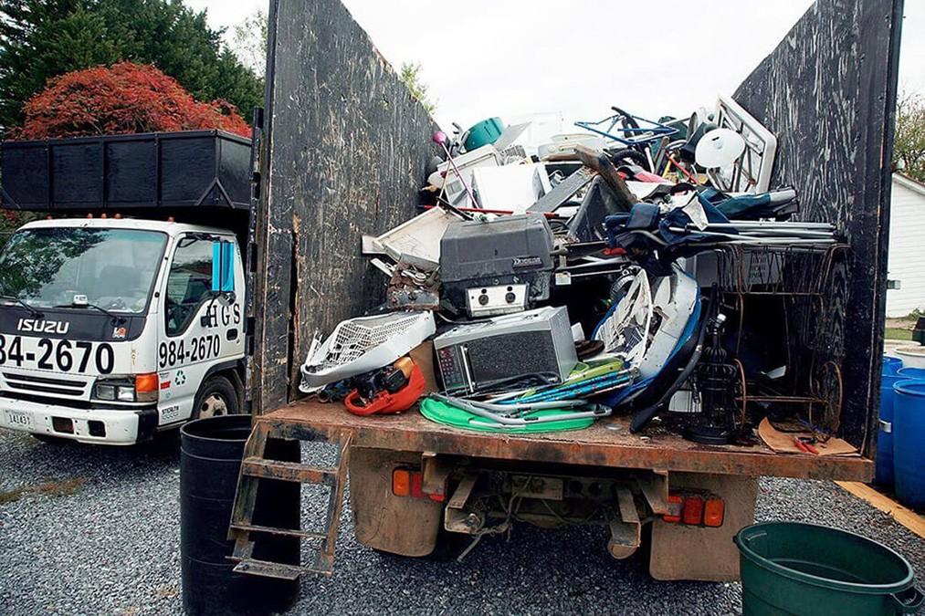 Junk Hauling-Springfield Dumpster Rental & Junk Removal Services-We Offer Residential and Commercial Dumpster Removal Services, Portable Toilet Services, Dumpster Rentals, Bulk Trash, Demolition Removal, Junk Hauling, Rubbish Removal, Waste Containers, Debris Removal, 20 & 30 Yard Container Rentals, and much more!